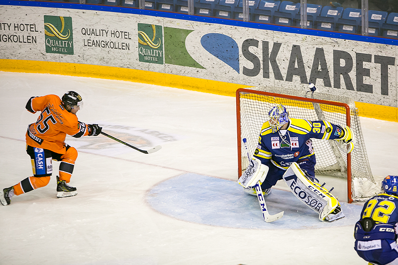 Endre Medby setter inn 2-1 målet