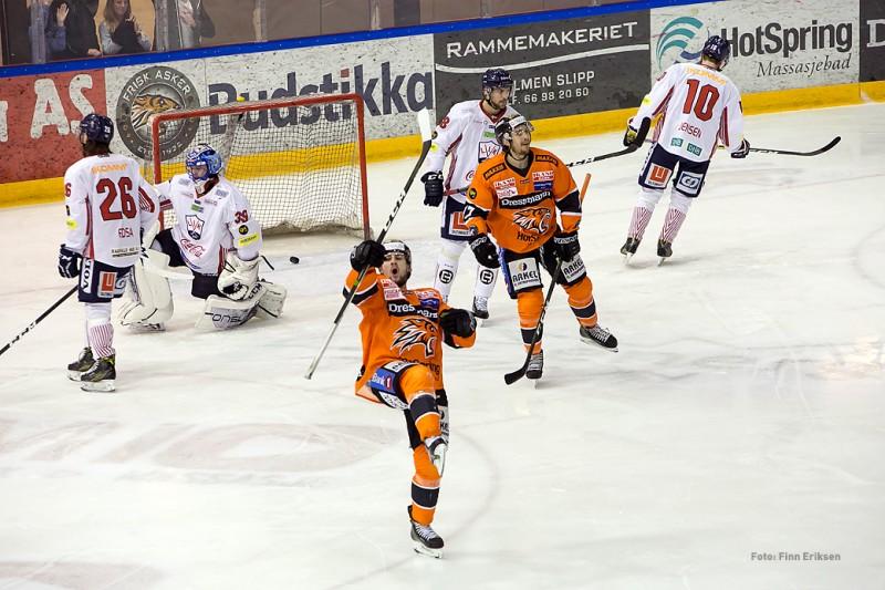 Endre Medby setter inn 1-0!