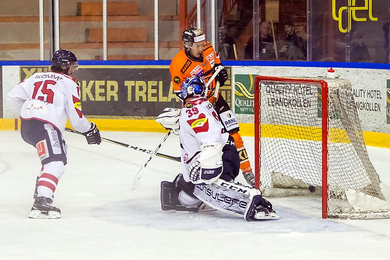 Mikkel Christiansen scorer klubbens mål nummer 8.000 i toppserien.