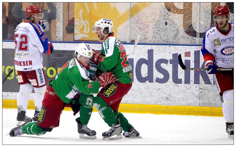 Petter jubler etter scoring mot favorittmotstanderen.