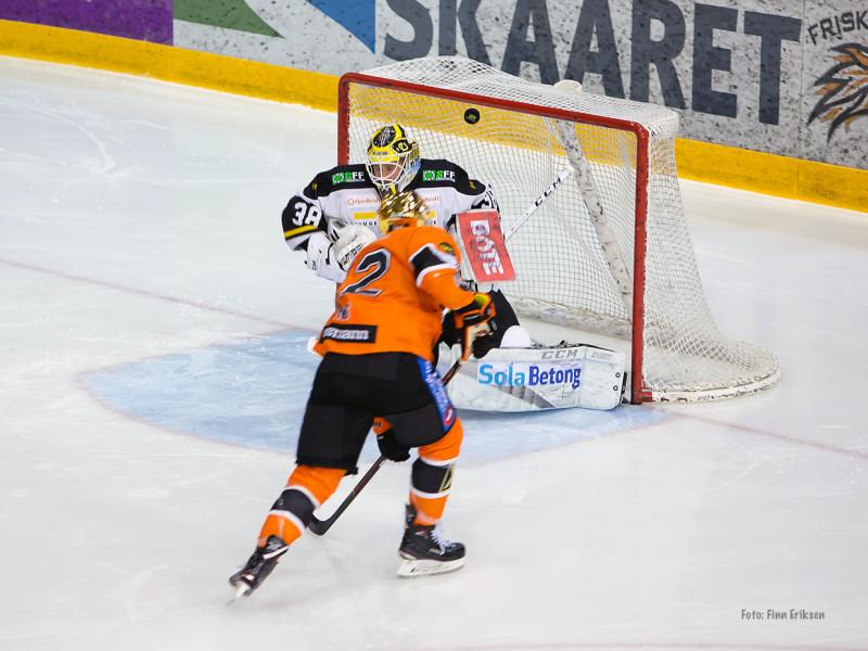 Lekker scoring av Kyle Bonis. Foto: Finn Eriksen
