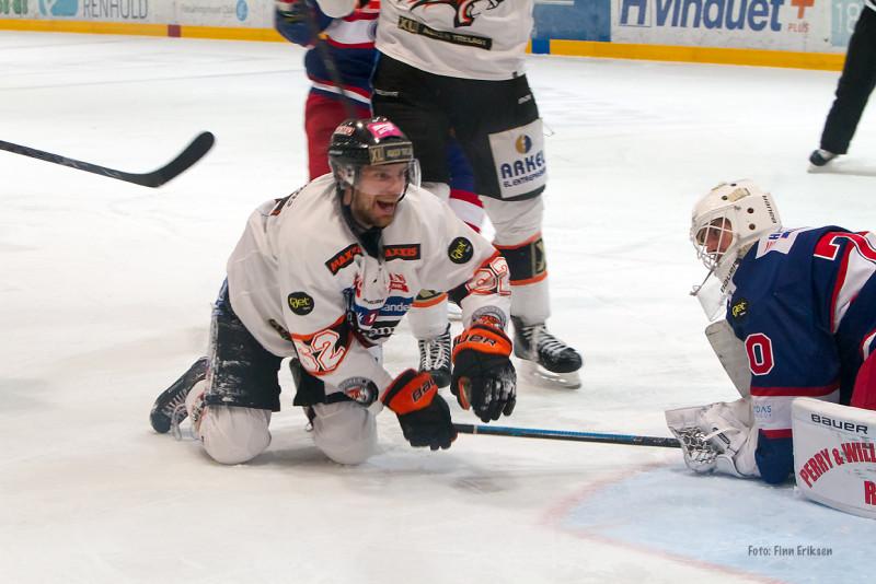 Cato scoret 4-0 målet mot Vålerengen i semifinaleserien. FOTO: Finn Eriksen