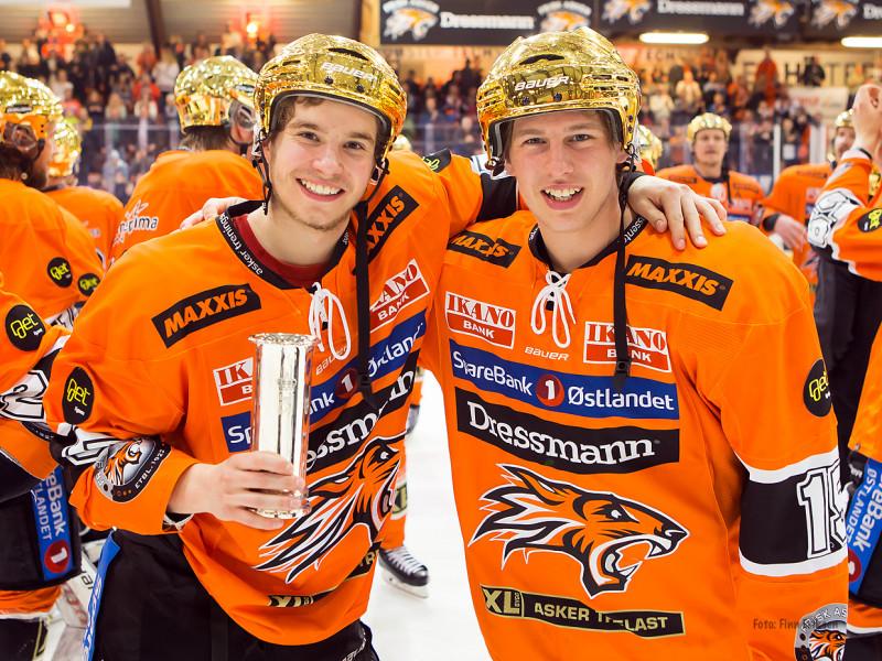 Thomassen og Beier Jensen kunne feire NM-tittelen allerede i sin første sesong på A-laget Foto: Finn Eriksen