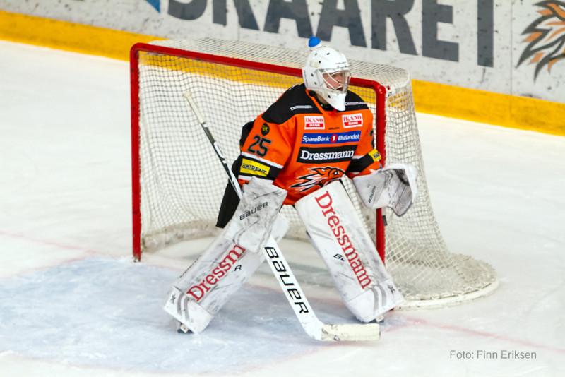 Fayen Vestavik vartet opp med en redningsprosent på 89,2% i sin første GET-liga kamp for sesongen. FOTO: Finn Eriksen