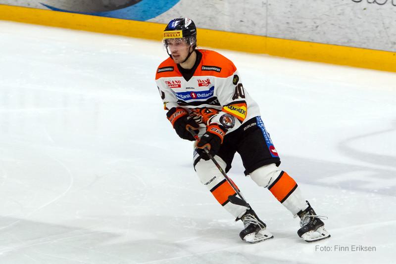 To assist på Fredrik Lystad Jacobsen i kveld. Foto: Finn Eriksen