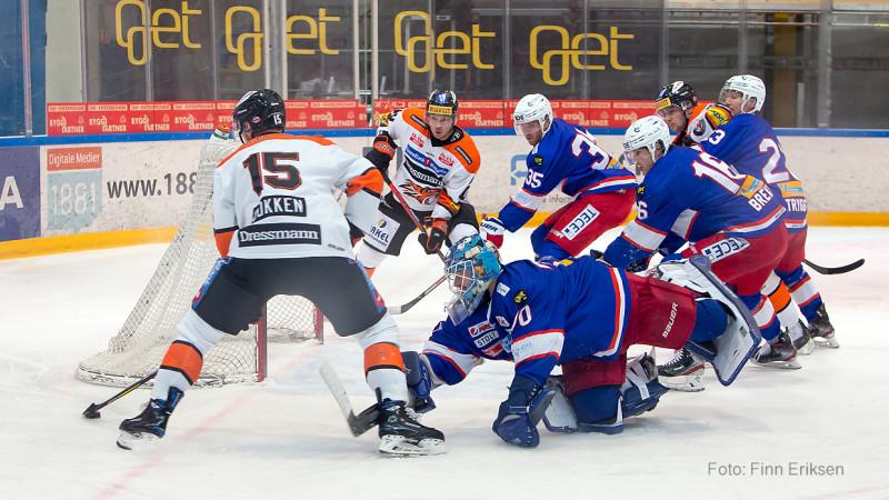 Dokken satte pucken i mål via skøyta til Brekke Henriksen.