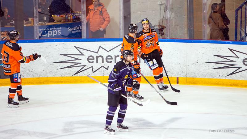 Mikkel gir oss ledelsen med scoring i sin andre kamp på rad. Foto: Finn Eriksen
