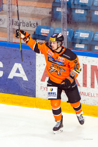 Lystad Jacobsen scoret sitt åttende mål for sesongen, men må nok se neste kamp fra tribunen. Foto: Finn Eriksen